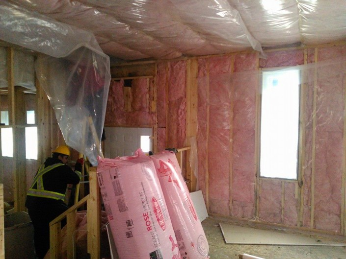 Installing the insulation-tri square